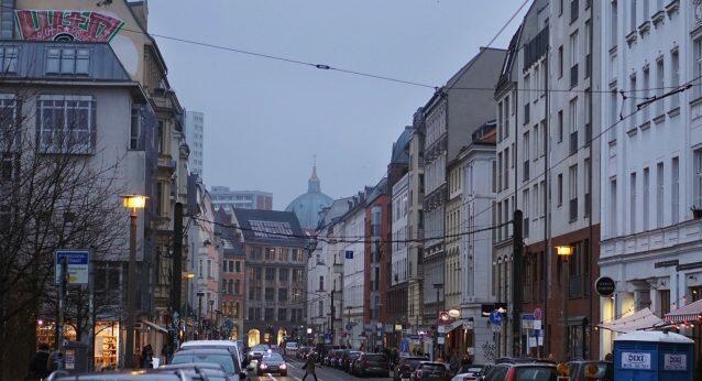 KULTURSCHOCK: BERLINER PLÖTZLICH FREUNDLICH!