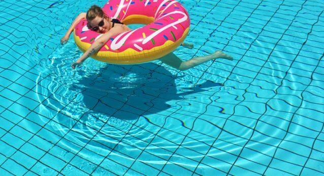 Babymoon Griechenland Urlaub Schwangerschaft Sommerurlaub Pool