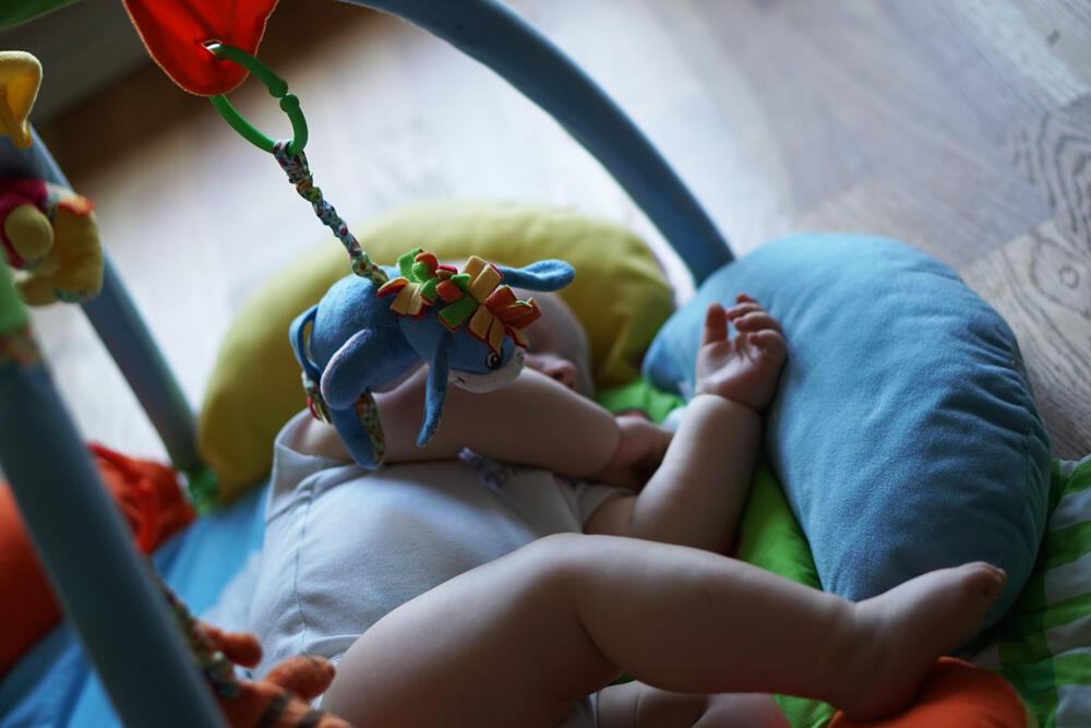 Spielbogen Baby
