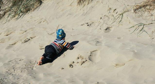 Baby 12 Monate alt Dünen Strand