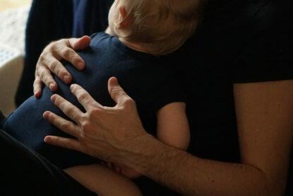 Fieberkrampf Baby Kleinkind was tun Erfahrungen Fieber Baby Papa