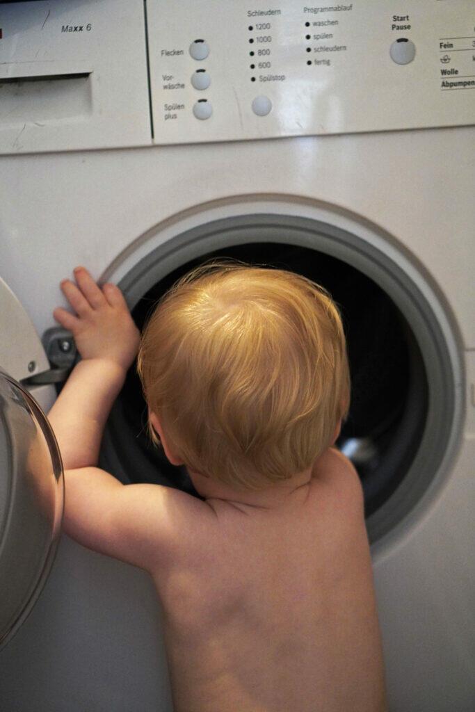 Waschmaschine Kleinkind