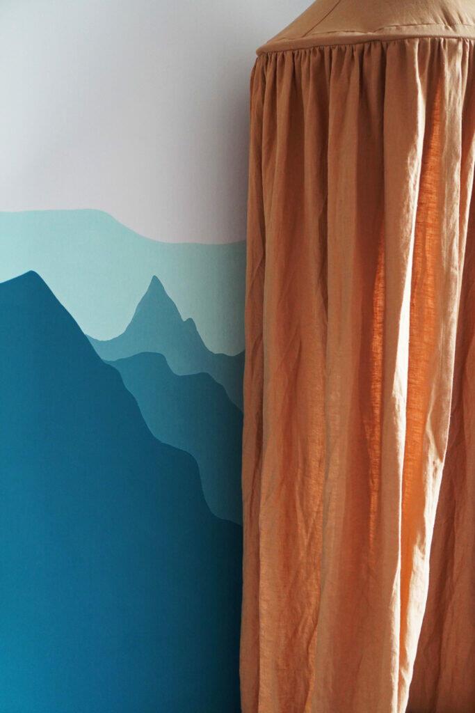 Kinderzimmerwand Kinderzimmer Wand Berge Blau Baldachin